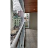 rede protetora para janela branca
