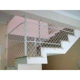 Redes de proteção de escada na Homero Thon
