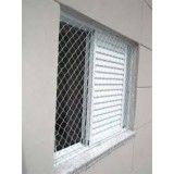 Redes de proteção para janelas na Vila Progresso